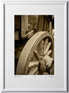 S080915A Wagon wheel - shown as 12x18